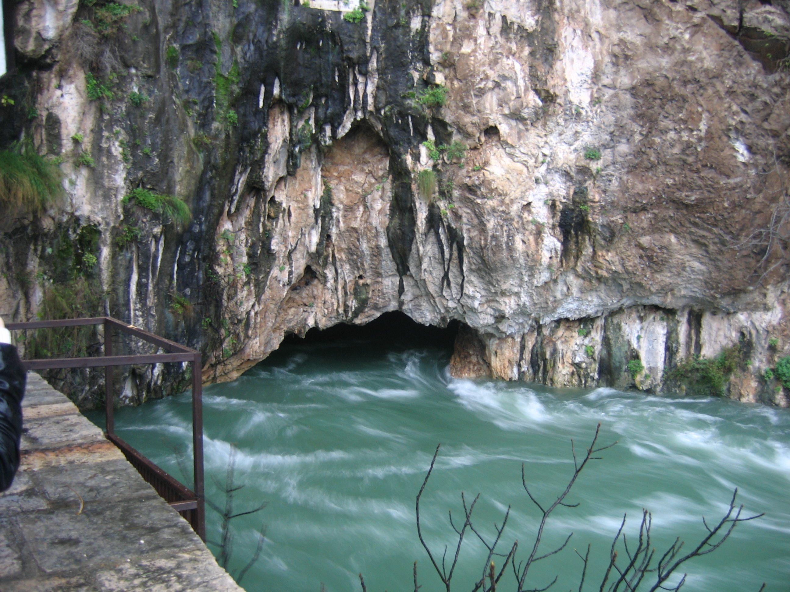 Buna River: Natural pearl and largest karst spring in Europe – Turisttotal